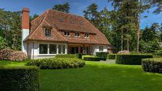 Exclusief renovatieproject van Villabouw Sels in Hof ter Linden 's Gravenwezel. Schitterende locatie, prachtige renovatie naar nieuwbouwstaat | house designs | dream homes | dreamy houses | droomhuis