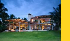 Residence in maui, Hawaii by Bossley Architects