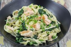 Recipe for delicious Fresh Pasta with Salmon and Spinach. Simple instructions with step-by-step pictures. Ready in 30 minutes. Healthy fish and spinach dish Salmon Pasta, Salmon Dishes, Fish Dishes, Pasta Dishes, Spaghetti, Shellfish Recipes, Danish Food, Fresh Pasta, Salmon Recipes