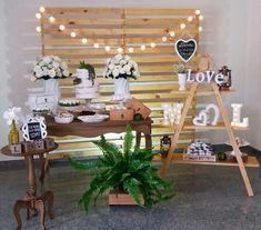 New wedding centerpieces vintage rustic bridal shower ideas Diy Wedding Decorations, Birthday Decorations, Wedding Centerpieces, Bridal Shower Rustic, Wedding Games, Wedding Table Settings, Vintage Bridal, Simple Weddings, Trendy Wedding