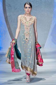 Paki Fashion 2012 | deepak-perwani-collection-at-pakistan-fashion-week-london-2012-5