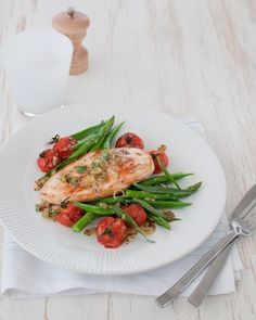 Chicken with Mustard Sauce, Roast Tomatoes, and Asparagus, clean lean and healthy! Healthy Freezer Meals, Healthy Family Meals, Healthy Dinner Recipes, Healthy Dinners, Skinny Recipes, Clean Recipes, Skinny Meals, 300 Calorie Meals, Michelle Bridges
