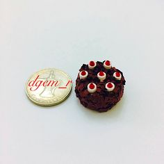 Quilled miniature cake