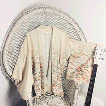 Vintage kimono jacket #60s #70s #arty #boho #bohemian #coachella #bestival #blogger more unique vintage @peacevintage