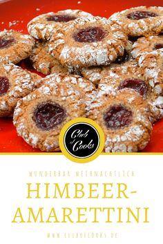 Diese Himbeer-Amarettini sind unser neuer Liebling auf dem weihnachtlichen Keksteller! Direkt ausprobieren!