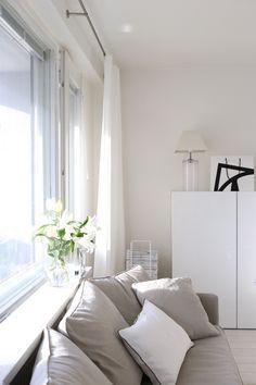 Homevialaura   living room   white linen curtains   Mixrack   Showroom Finland   Tapio Anttila