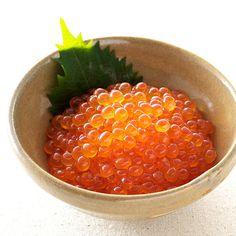 北海道の道東近海で水揚げされた秋鮭卵を使用。【いくら醤油漬け】