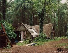 This is one of the natural buildings at Tinkers Bubble, a small off-grid woodland community on 40 acres (16 hectares) of land in rural Somerset, England. More including video at www.naturalhomes.org/tinkersbubble.htm