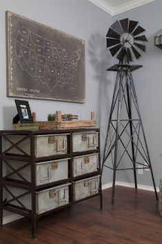 10 Inexpensive Ways to Decorate and get the Fixer Upper Farmhouse Look - Vintage American Home - Decorate like the show! 10 Inexpensive and easy Ways to Get the Fixer Upper Look - Industrial Farmhouse Decor, Vintage Industrial Furniture, Industrial House, Farmhouse Design, Vintage Home Decor, Farmhouse Style, Rustic Farmhouse, Industrial Style, American Farmhouse