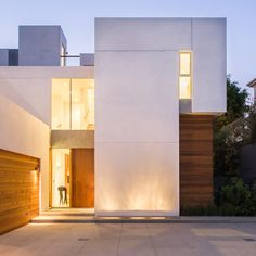 Mt Olympus Residence by Whitten Architects