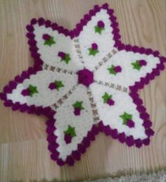 Crochet Granny, Filet Crochet, Diy And Crafts, Projects To Try, Christmas Ornaments, Holiday Decor, Star, Towels, Xmas Ornaments