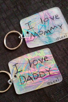 Easy DIY Shrinkie Dink keychain kids can make for Mother's day. A keepsake gift idea with a sentimental message. mothers day gifts for kids, birthday gifts for mothers, gifts for your mom Mothers Day Crafts For Kids, Diy Mothers Day Gifts, Diy For Kids, Gifts For Mom, Gift For Mother, Crafts With Kids, Grandparent Gifts, Shrinky Dinks, Baby Crafts