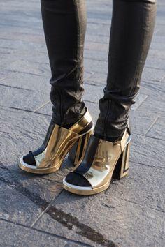 Talk about a statement heel? Street style accessories at London Fashion Week #LFW