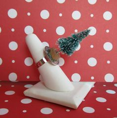 Eccentric Evergreen adjustable 3D Christmas tree ring by heysista