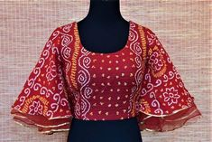 Shop red bandhani saree blouse online in usa with bell sleeves Kurta Designs, Stylish Blouse Design, Fancy Blouse Designs, Designs For Dresses, Latest Kurti Designs, Sari Design, Choli Blouse Design, Saree Blouse Neck Designs, Design For Blouse