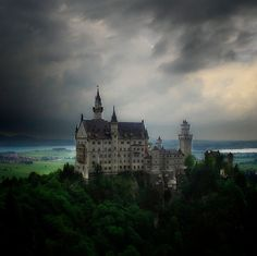 I love castles...and this is one I would love to visit.  Outstanding Photography by Leonardo Regoli « art-profiles.com