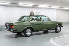 Mercedes-Benz 230 E (W 2 cars luxury car quotes living in car car ride quotes decorating car car rides on car in the car car ideas Mercedes Benz Maybach, Mercedes Benz World, Classic European Cars, Classic Cars, Living In Car, Daimler Benz, Classic Mercedes, Super Sport Cars, Cars And Coffee