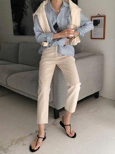 10 модных способов носить рубашку в этом сезоне | ladyline.me | Яндекс Дзен Older Women Fashion, 80s Fashion, Korean Fashion, Fashion Outfits, Womens Fashion, Petite Fashion, Cheap Fashion, Fashion 2018, French Fashion