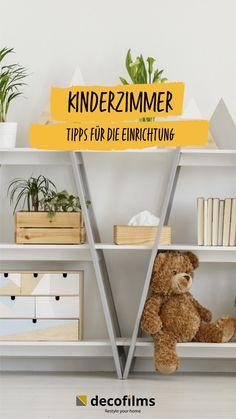 Kinderzimmer sollen am besten freundlich, farbenfroh und kindgerecht gestaltet sein. Damit du nicht immer gleich zum Farbtopf greifen musst, haben wir 10 Tipps zum Kinderzimmer einrichten für dich und verraten dir, wie du sie ganz einfach mit selbstklebender Möbelfolie umsetzen kannst. #kinderzimmer #kinderzimmerdeko #kinderzimmerideen Shelving, Freundlich, Ladder Bookcase, Entrepreneurship, Shabby, Home Decor, Female, Kids Room Paint, Room Interior Design