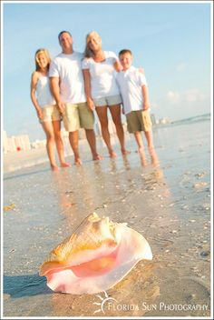 Family Portraits at the Beach Shell . inspired to start this board after seeing other proofs at the photographer's site with kids with starfish in their hands--why didn't we think of that? Beach Photography, Family Photography, Portrait Photography, Photography Ideas, Beach Portraits, Family Portraits, Beach Fun, Beach Trip, Beach Vacations