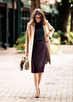 どんなテイストにも合わせやすいベーシックさと、トレンドのエッセンスを兼ね備えたユニクロのスカート。カラーバリエーションやシルエットなど、豊富なラインナップが揃っています。お気に入りの一枚を見つけて、まずはスカートから秋を始めてみませんか?ウールの上質感とジャージー素材の伸縮性を兼ね備えたミディ丈スカートは、今年らしい落ち着いた色味のレッドでトレンド感満載。トップスはタイトにまとめて、フィット&フレ...