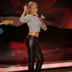 nicole noevers leder | Celebrities In Leather: Helene Fischer rocks the stage in black ...