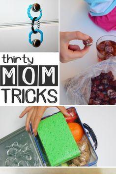 30 Genius Mom Tricks, this is the best one ive seen! Mom Hacks, Baby Hacks, Life Hacks, Baby Kind, Kids And Parenting, Parenting Hacks, Single Parenting, Diy Spring, Diy