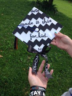 Twenty One Pilots inspired grad cap Funny Graduation Caps, Graduation Cap Designs, Graduation Cap Decoration, Grad Cap, Graduation Hats, Graduation Ideas, Best Friend Poems, Tyler And Josh, Tyler Joseph