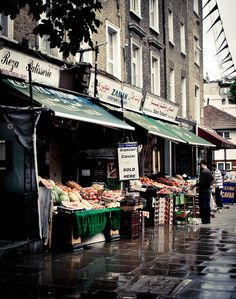 Hammersmith, London London Boroughs, Finsbury Park, Walks In London, Shop Fronts, Famous Landmarks, London Calling, Outdoor Adventures, Best Cities, British Isles