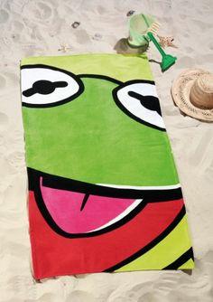 Badetuch Muppits, Kermit, 75 x 150 cm. Das Strandtuch von Global Labels eignet sich für einen Ausflug zum See oder das Baden zu Hause. Das fröhliche Kermit-Motiv macht es zu einem besonderen Hingucker.