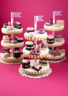 Que la imaginación vuele!!! Inspirate para usar tus popotes!!! :D ¿Qué tal estas mini estaciones de postres?  #popotes #decoracion #fiesta #straw #party #etcmx #rosa #pink  Venta de popotes rayados, puntos, estrellas, etc.. https://www.facebook.com/ETCMX