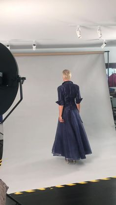 Living Silk - specializing in Navy Blue long, tea length and knee length dresses and two piece outfits with sleeves for the modern and elegant mother of the bride and mother of the groom at a beach, boho, garden, rustic, country, cocktail or formal wedding in Spring/ Summer or Fall/ Winter | Mother of the Bride / Groom Dresses #livingsilk #motherofthebridedresses #motherofthegroomdresses #celebrateinsilk #puresilk Mother Of Bride Outfits, Mother Of The Bride, Formal Wedding, Chic Wedding, Wedding Advice, Wedding Ideas, Navy Blue Gown, Black Mother, Bride Groom Dress