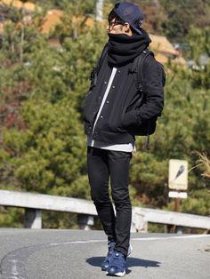 こんばんは。 雪! キターヾ(°∀° )/ー! もっと(屮゚Д゚)屮 カモーン ( ͡° ͜ʖ ͡° Fashion Poses, Pop Fashion, Winter Fashion, Fashion Outfits, Latest Mens Fashion, Korean Fashion, Casual Wear For Men, Summer Fashion Trends, Stylish Men