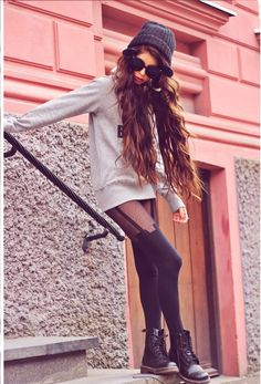 Monday mood - House of Holland Mock suspender tights Grunge Outfits, 90s Fashion Grunge, Indie Fashion, Dark Fashion, Urban Fashion, Fashion Looks, 90s Grunge, Hipster Shirts, Le Happy
