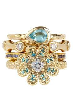 Jewels de la Mer Ring Set.
