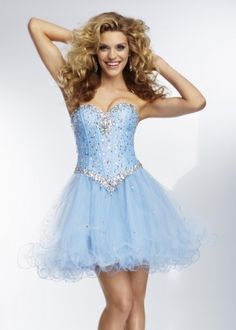 Mint Short Chffion Layered Homecoming Dress With Beading. A flirty short and strapless dress which features beading top. The short skirt is delicate and flowy. This short dress would be perfect as a short prom dress or Homecoming dress. Homecoming Dresses 2014, Mori Lee Prom Dresses, Designer Prom Dresses, Cheap Prom Dresses, Ball Dresses, Bridal Dresses, Evening Dresses, Party Dresses, Casual Dresses