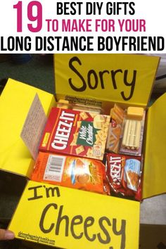 DIY gifts for long distance boyfriend Do you need to send your long distance boyfriend a gift to show how much you care? Here are 19 DIY gifts for long distance boyfriend. Diy Christmas Gifts For Boyfriend, Cute Boyfriend Gifts, Bf Gifts, Diy Holiday Gifts, Diy Crafts For Gifts, Best Friend Gifts, Boyfriend Boyfriend, Deployed Boyfriend, Diy Birthday Gifts For Boyfriend