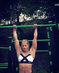 Girl's muscle up