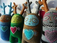 Fantastic crochet dolls by Lokicoki. I like how they mix embroidery and felt with crochet - very nice! :D