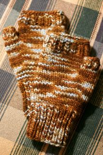 Inspired: Free Pattern: Fast & Easy Fingerless Mitts