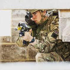 British front line soldiers to benefit as new Virtus body armour rolls out to infantry troops #Virtus #armour #infantry #British #Army #soldiers