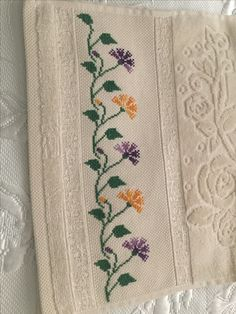 1 million+ Stunning Free Images to Use Anywhere Small Cross Stitch, Beaded Cross Stitch, Cross Stitch Borders, Crochet Cross, Cross Stitch Flowers, Cross Stitch Designs, Cross Stitching, Cross Stitch Embroidery, Hand Embroidery