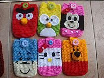 How to Crochet Mobile Cell Phone Pouch for iPhone Samsung - Crochet Ideas Crochet Phone Cover, Crochet Pouch, Crochet Bear, Crochet Purses, Crochet For Kids, Crochet Crafts, Crochet Toys, Crochet Projects, Crochet Designs