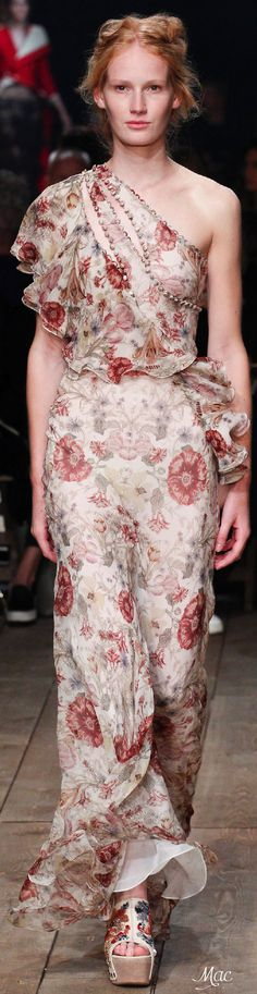 Spring 2016 Ready-to-Wear Alexander McQueen