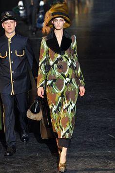 Louis Vuitton Fall 2012 Ready-to-Wear #bags #fashion