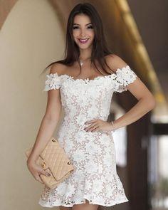 Short Lace Dress: 25 Amazing Ideas to Get Inspired! Civil Wedding Dresses, Celebrity Wedding Dresses, Grad Dresses, Elegant Dresses, Pretty Dresses, Sexy Dresses, Casual Dresses, Flowy Dresses, Formal Dresses