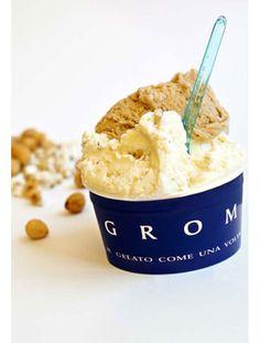 Grom Glacier italien de Turin.  Le critique culinaire François Simon a fait de Grom  son temple glacé préféré. Plus que rouler les boules, chez Grom, on les aère à la spatule pour transformer la glace en une crème glacée, crémeuse et légère.