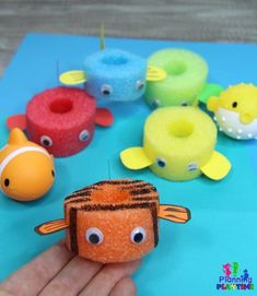 Under the Sea Theme - Planning Playtime - activity&craft - Pool Noodle Fish for Preschool Ocean Dramatic Play - Summer Crafts, Crafts For Kids, Kids Diy, Pool Noodle Crafts, Crafts With Pool Noodles, Pool Noodle Games, Under The Sea Theme, Under The Sea Crafts, Camping Crafts