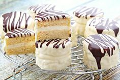 Copycat Zebra Cakes *use spoon and sweeps method to measure out flour, or too much will be used