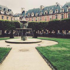 .@parisinfourmonths | After a little bit of rain you can find Place des Vosges totally empty ️ | Webstagram - the best Instagram viewer